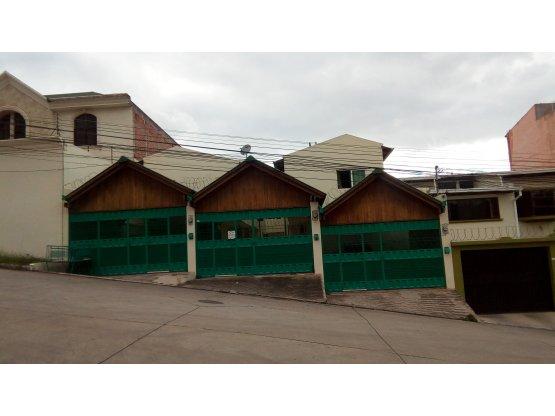 Se alquila casa en residencial La Hacienda