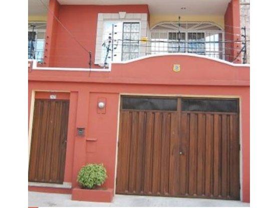 Se alquila Townhouse en Colonia Loma Linda Norte