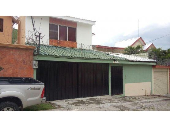 Se vende casa en Residencial Loarque