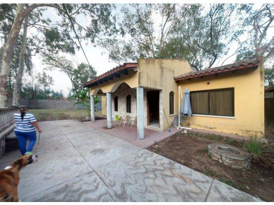 Se vende casa en la aldea Cerro Grande
