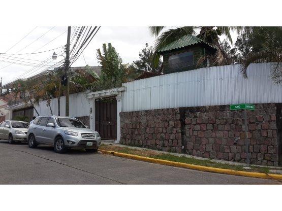 Se vende casa en la Residencial Loma Linda