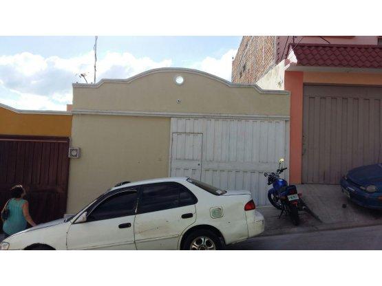 Se alquila y/o vende casa en Maria Cristina
