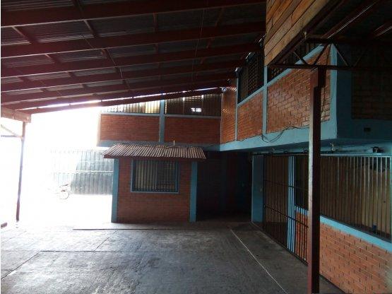 Se alquila y/o vende edificio en el Barrio Morazan