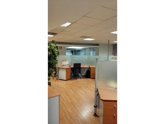 Oficinas en venta zona 10, 497m2, en edificio
