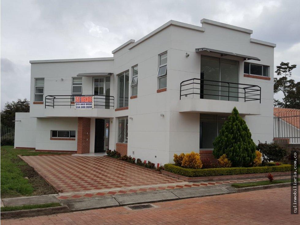 Casa Grande En Conjunto Cerrado Fusagasuga