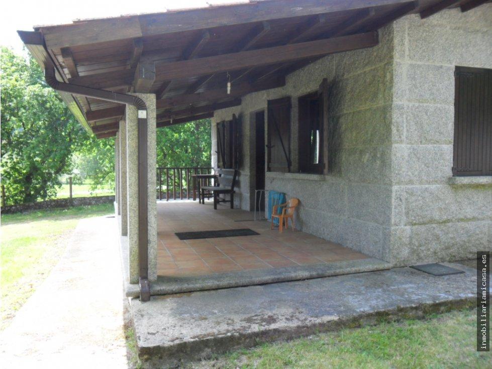 Casa con piscina for Piscinas desmontables eroski