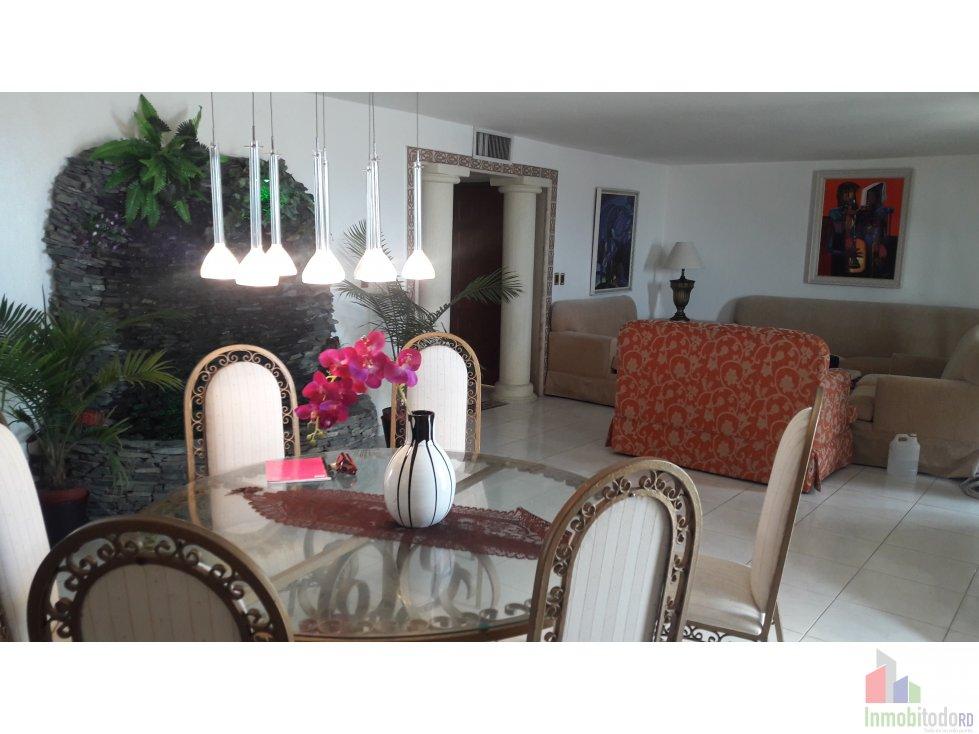 Apartamento Lujoso con vista al Mar en el Malecon