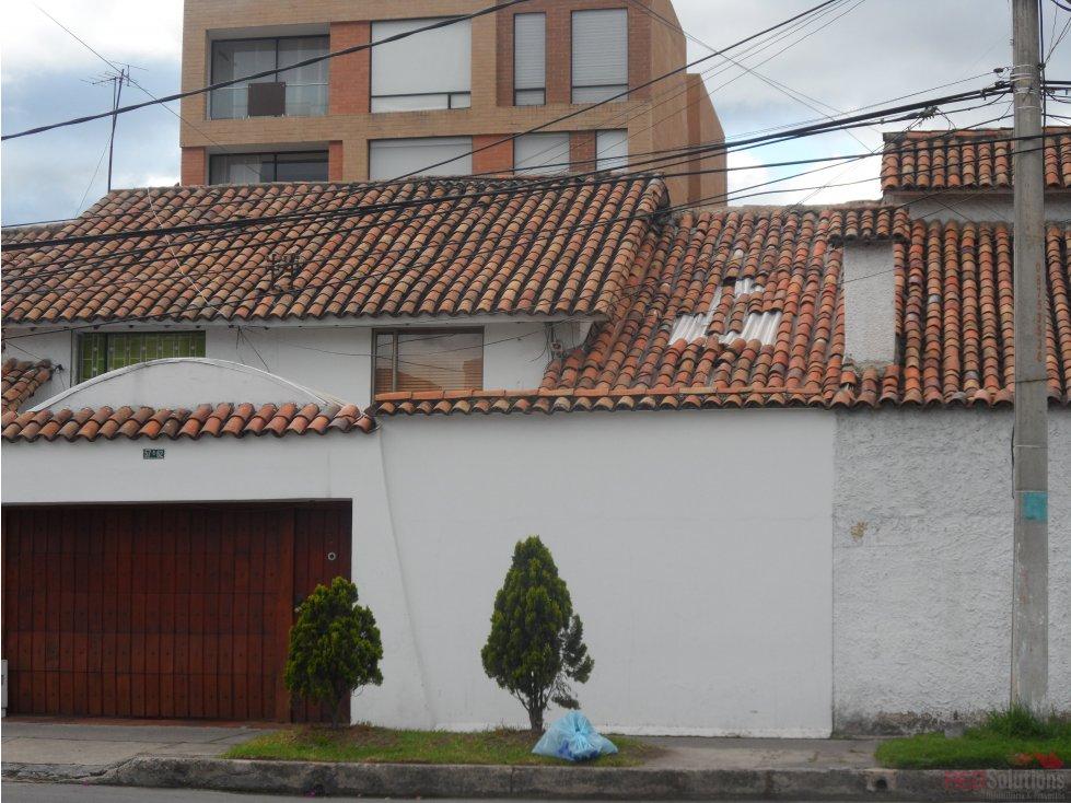 Casa en arriendo en Puente Largo