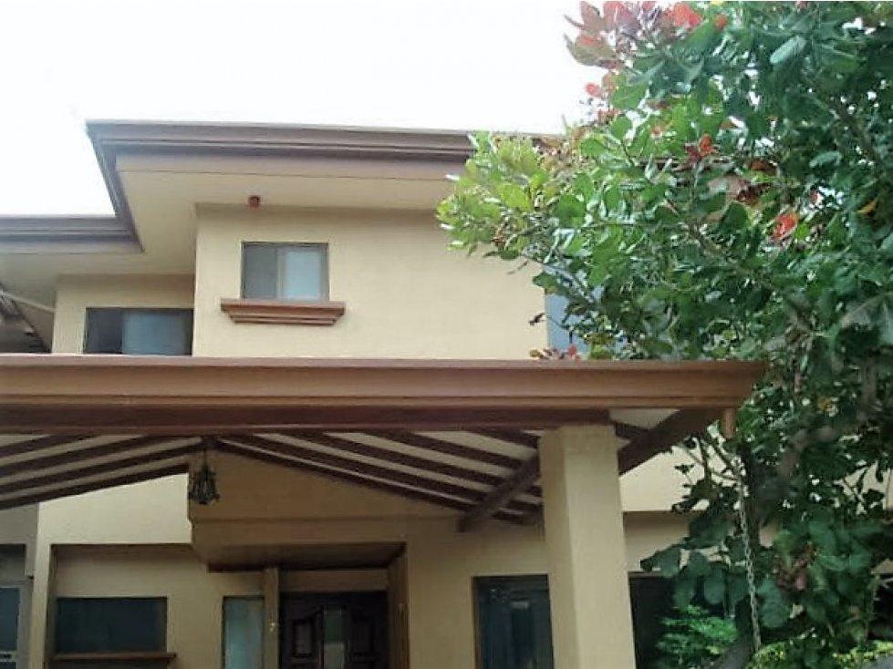 Casa en condominio Escazu Guachipelin