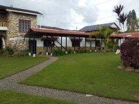 HOTEL Y RESTAURANTE EN FILANDIA (CRUCES)