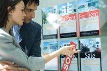 ¿Qué es mejor, vender tu piso como particular o confiar en una agencia?